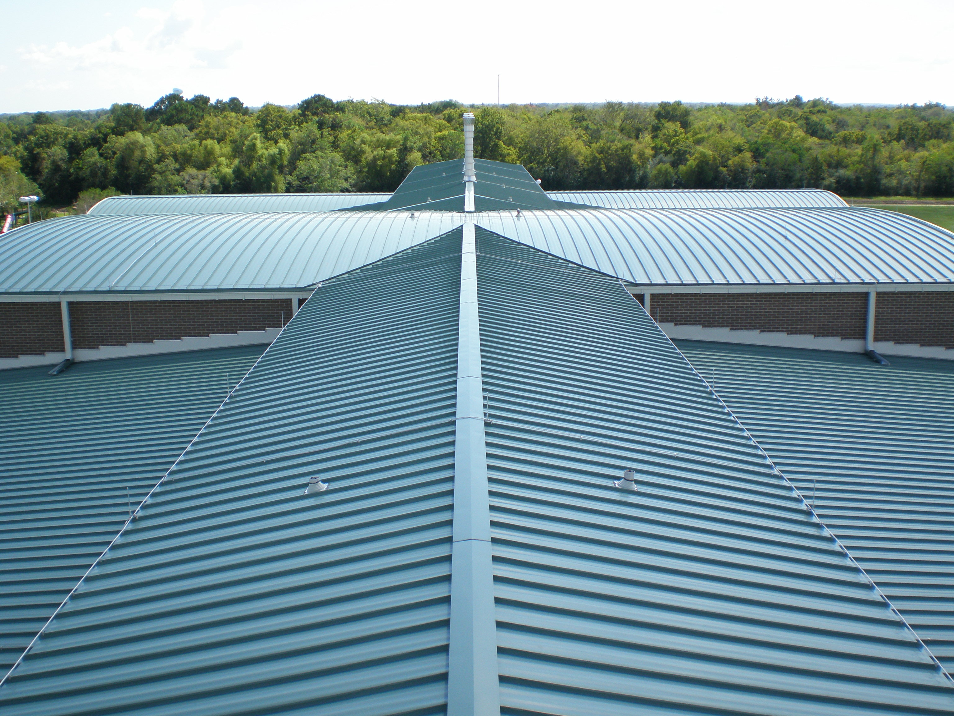 OLYMPUS DIGITAL CAMERA & Metal Roof - Calebs Management memphite.com